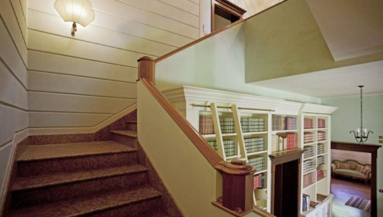 scala di accesso alle camere
